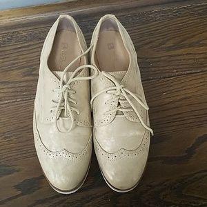 Womens platform white mountain shoes
